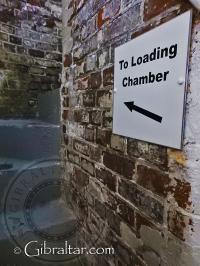 Escalera de acceso a la cámara de carga