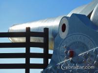 Primer plano del cañón de 100 toneladas en Gibraltar