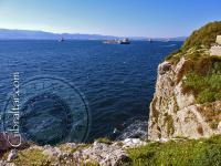 Vista hacia la Bahía Rosia desde el cañón de 100 toneladas