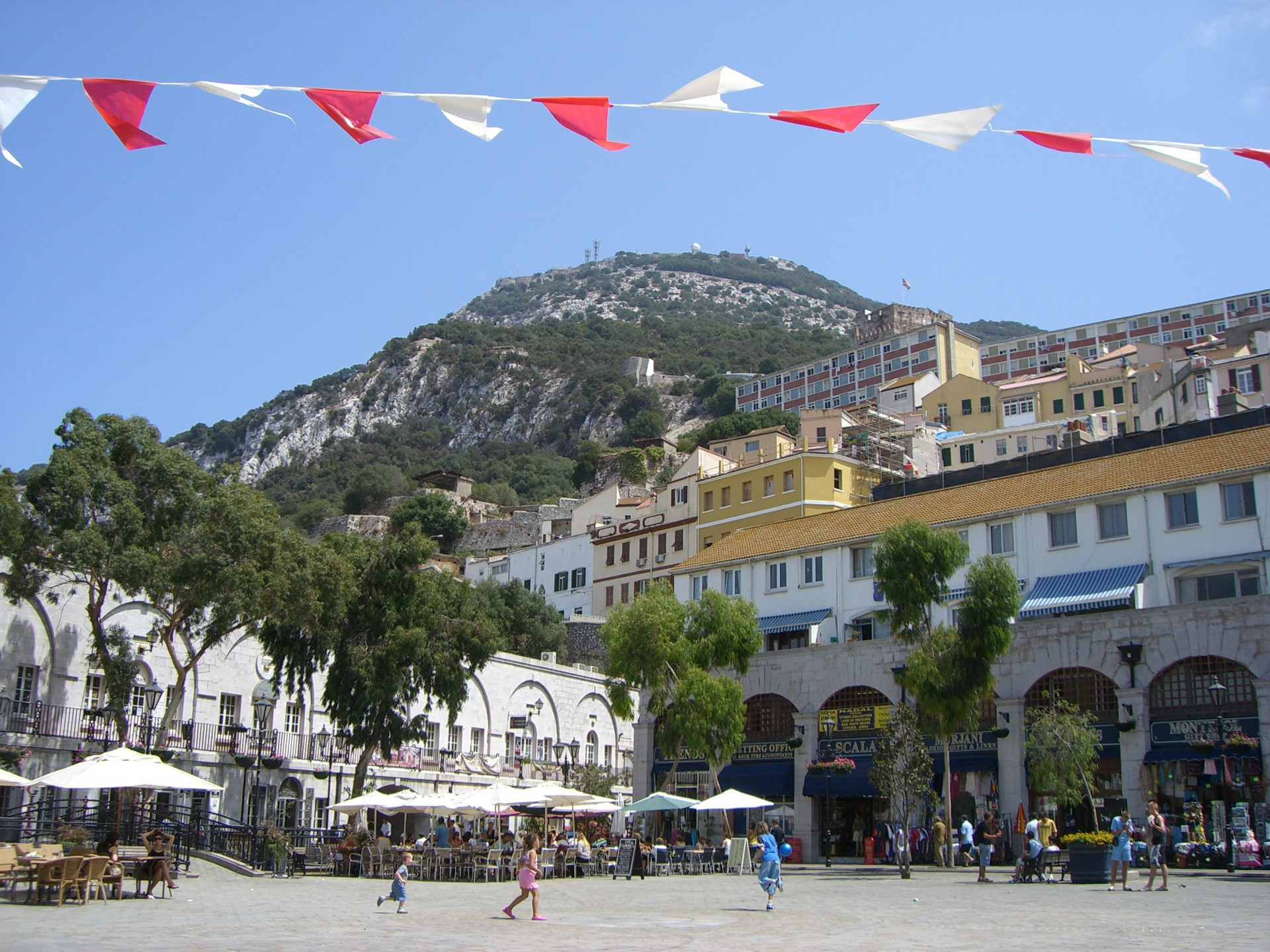 Studio Shop For Sale And Rental In Town Area Gibraltar