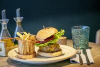 Mons Calpe Suite Hamburger