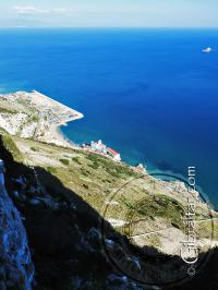 Panorámica de Catalan Bay, desde un plano superior