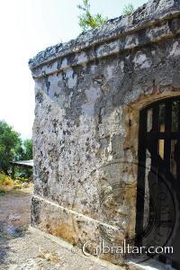 Muros de la Ciudad Bajo el Asedio