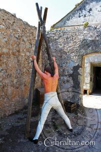 Representación sobre la flagelación en la exposición de La Ciudad Bajo el Asedio