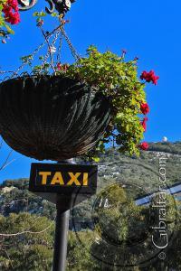 Letrero Taxi en la Plaza Grand Casemates