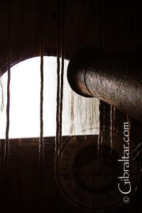 Cilindro de cañón en los Túneles del Gran Asedio