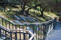 Pasarela elevada del Cementerio Puerta de los Judíos o Jew´s Gate Cemetery