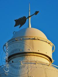 La cúspide del Faro de Trinidad en Punta Europa
