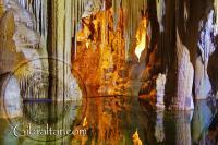 El bellísimo Lago natural, en la Cueva Baja de San Miguel