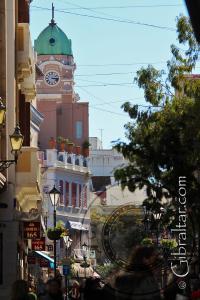 Main Street o Calle Principal y la Catedral de Santa María la Coronada