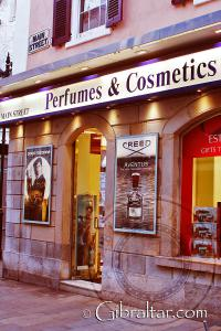 Perfumes y Cosméticos en Main Street de Gibraltar