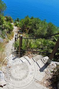 Bajando por el sendero de Martin, Escalera del Mediterráneo