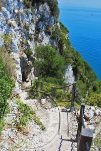 Pasamanos de cuerdas de la Escalera del Mediterráneo