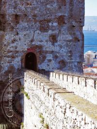 Camino de entrada al Castillo Árabe