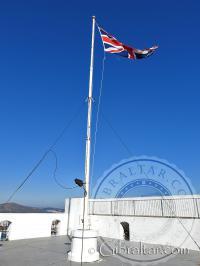 Bandera en el Castillo Árabe
