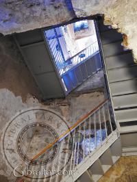 Perspectiva de las escaleras del Castillo Árabe