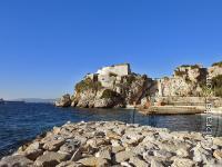 Camp Bay detrás de la Fortaleza de Parson en Gibraltar