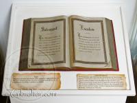 Libro de Historia en el Santuario de Nuestra Señora de Europa