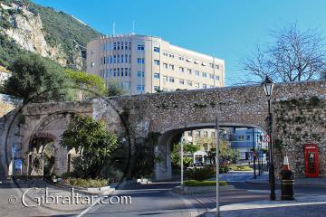 Las tres puertas de Southport de Gibraltar