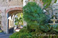 'La Nueva' Puerta de Southport y la fuente en Gibraltar