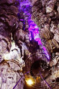 Columnas a gran altura en la Cueva de San Miguel