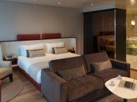 Sunborn Hotel