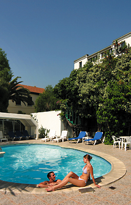 Comfort, hospitality and service in the very heart of Gibraltar town. The Bristol Hotel in Gibraltar has 60 bedrooms with en­suite bathrooms. Sub­tropical garden with swimming pool and snack­bar. Our receptionists will make you feel at home, always happy to assist you.